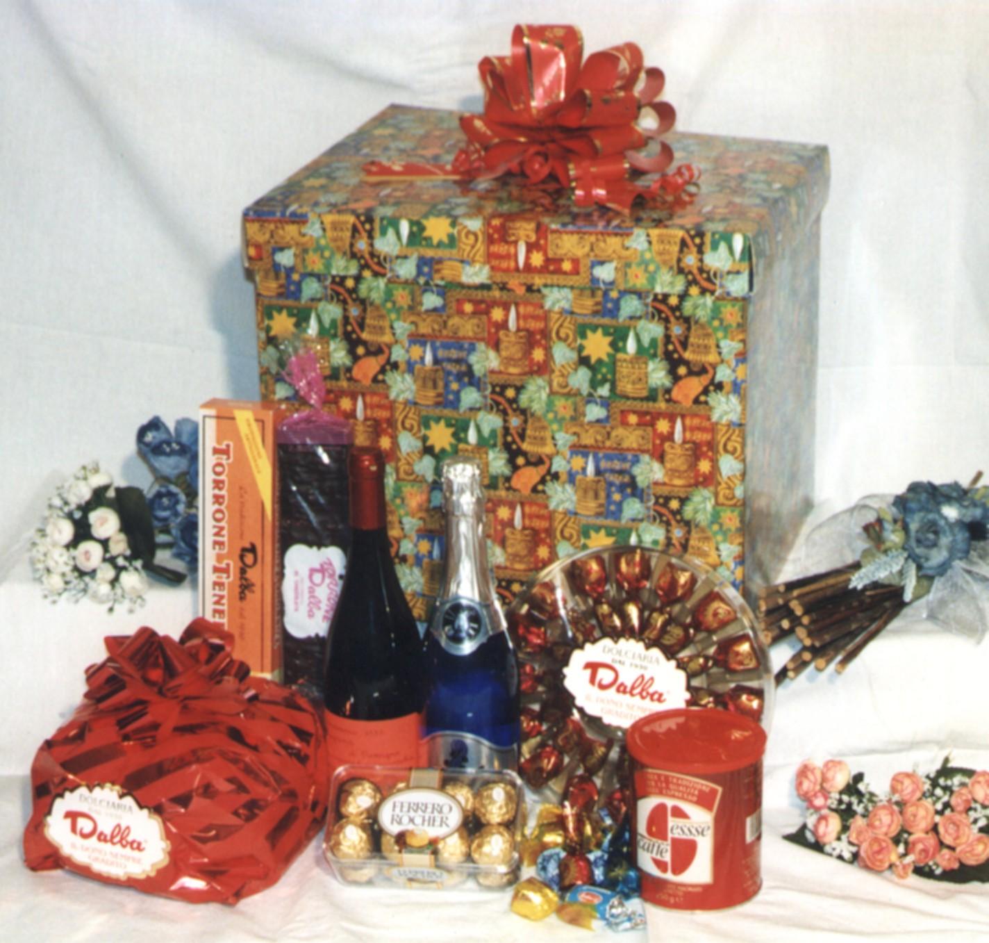 Confezioni Piante Natalizie : Produzione e vendita di confezioni natalizie dolciaria dalba
