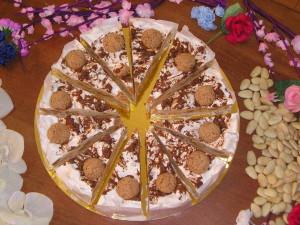 Art.1002 Torta di Torrone ten. kg.2,Amaretto dalba dolciaria natale