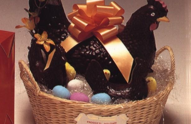 Art.120 Gallina grande cioccolato con gallinelle