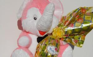 Art.718 uovo cioccolato gr.400 + peluche elefante