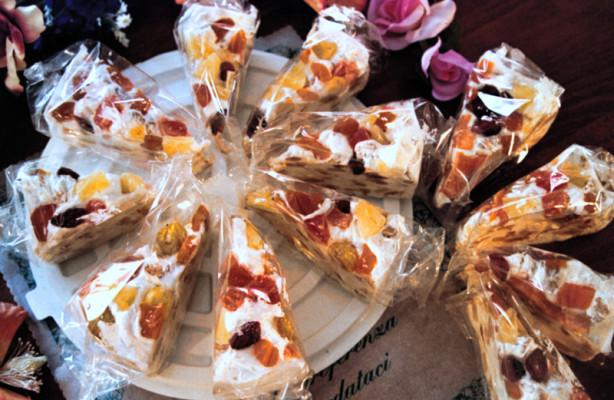 Art. 1001 Torta di torrone ten. kg. 2,2 con Frutta Mista assort.