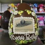 uovo+cioccolato+ decorato+ dalba+pasqua+1