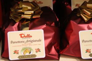 panettone -gocce- cioccolato- pacco-natale