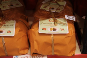 panettone- marrons- glaces- pacco-natale